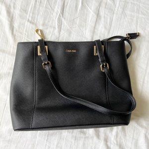 Calvin Klein•Black Sholder Bag